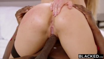 Tess Lyndon and Victoria Sweet licking their pussy so nicely and passionate